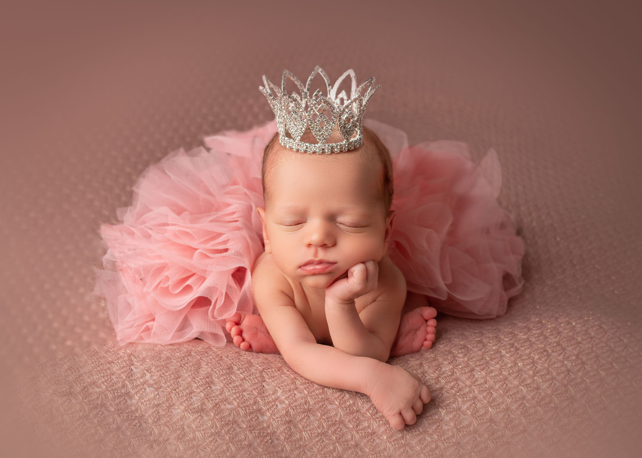 40 Newborn Photo Ideas For Boys Girls At Home Or Studio